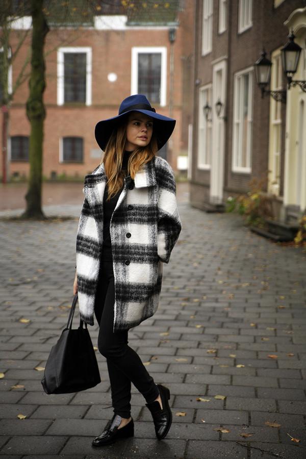 ca7bcc96513 fashion zen blog blogger jeans bag felt hat flannel loafers black loafers  tartan printed coat hat.