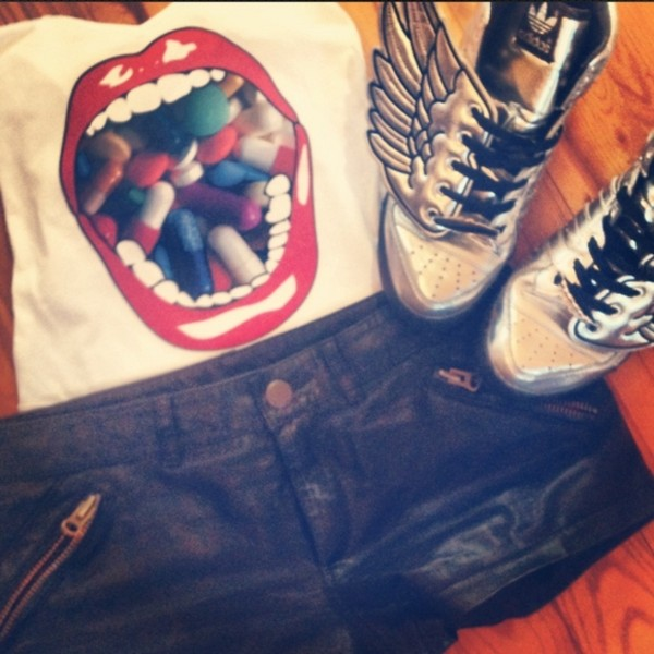 shoes adidas silver shirt pills shorts zip shorty adidas wings