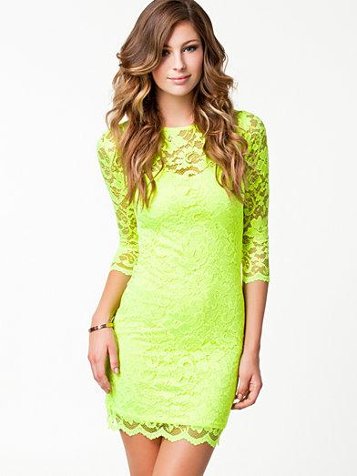 Slash Neck Lace Dress - John Zack - Neon Yellow - Festklänningar - Kläder - Kvinna - Nelly.com