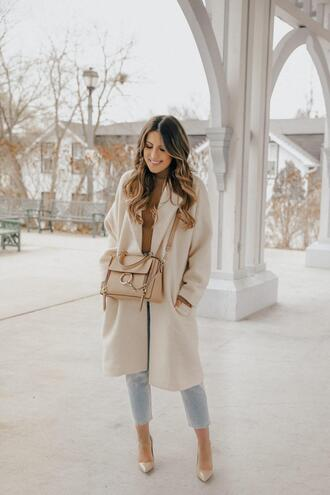 stephanie sterjovski - life + style blogger coat top bag shoes beige coat fall outfits spring outfits pumps