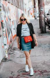 thehuntercollector,blogger,skirt,t-shirt,shoes,jacket,bag,ankle boots,fall outfits,red bag,denim skirt,blazer