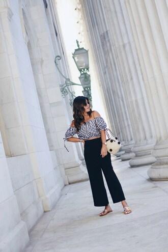 chictalk blogger top pants shoes bag flats black pants summer outfits