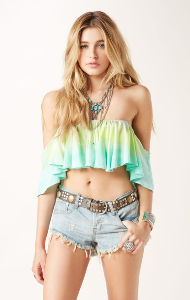 blouse shorts t-shirt