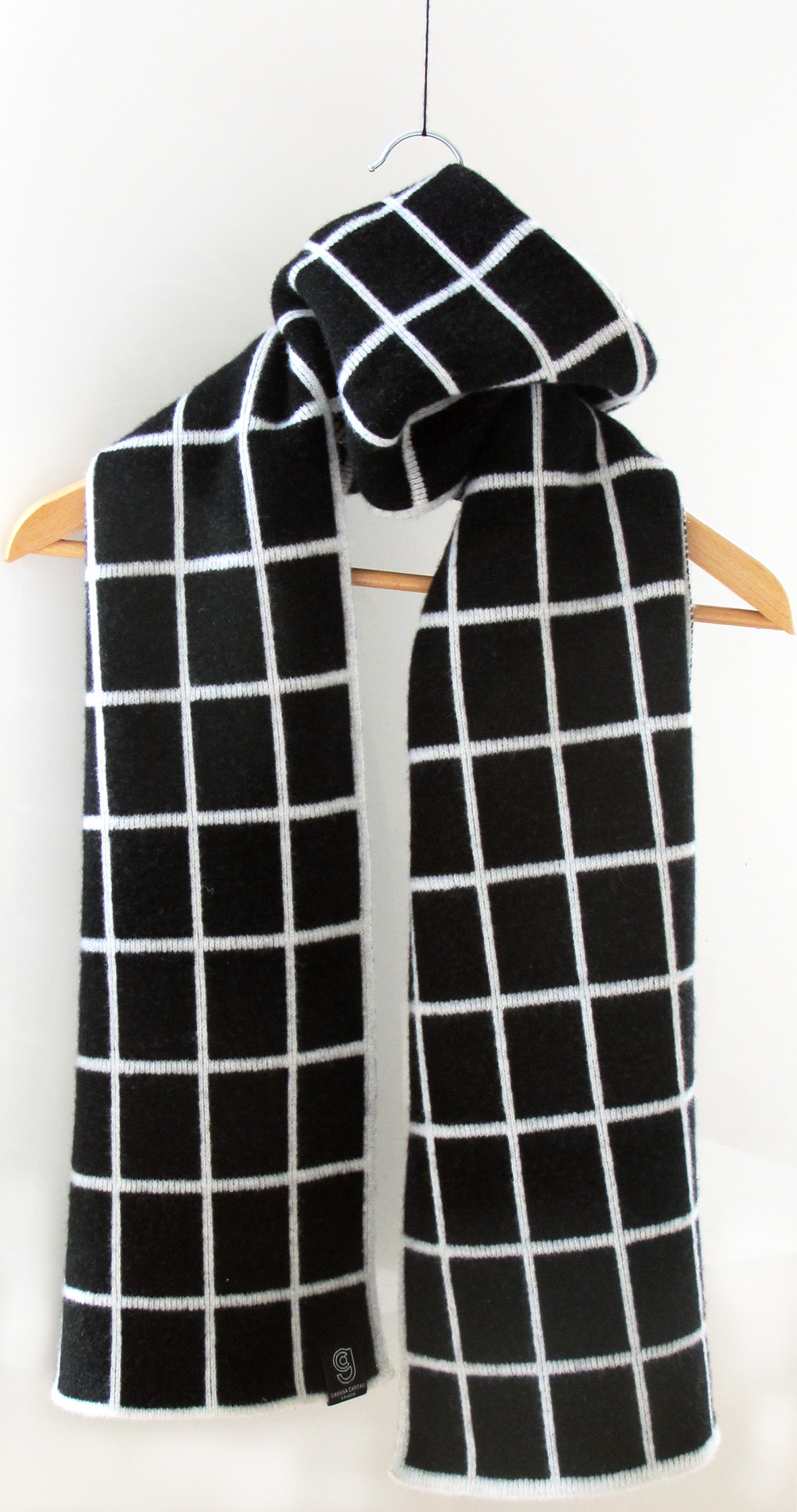 Grid scarf (wide) black and white by giannina capitani