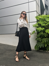 skirt,black skirt,topw,white top,top,sunglasses,shoess,sandals