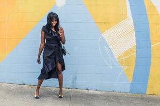 millennielle blogger dress bag ruffle dress ruffle navy dress ysl bag