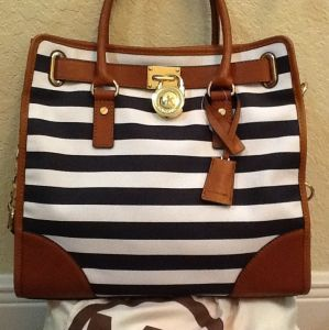 MICHAEL KORS HAMILTON NORTH SOUTH NAVY/WHITE STRIPE TOTE BAG