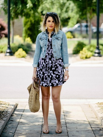 life & messy hair blogger dress jacket bag mini dress basket bag floral dress denim jacket spring outfits