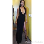 dress,v neck dress,long dress,black dress,boobs