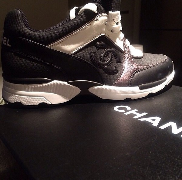 shoes black and white chanel shoes chanel sneakers black white