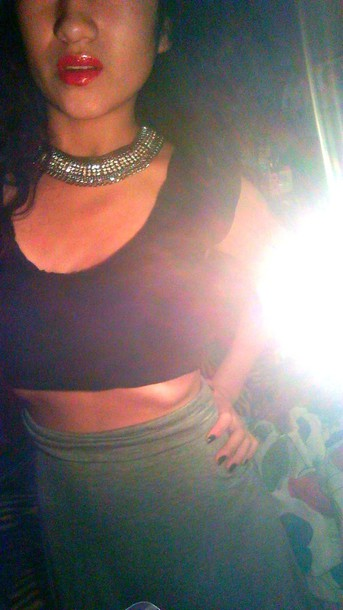 skirt maxi skirt grey skirt crop tops black crop top necklace red lipstick outfit grey necklace