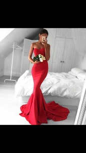 dress,red prom dress,gown,evening dress,red,long,dress with tail,strapless,prom dress,red dress,train dress,red long dress,long dress,maxi dress,red maxi dress