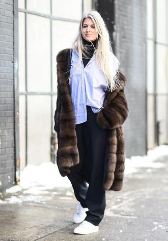 coat nyfw 2017 fashion week 2017 fashion week streetstyle brown brown coat fur coat shirt white shirt pants black pants wide-leg pants sneakers white sneakers