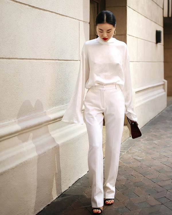 pants white pants topw white top blouse shoes bag white blouse