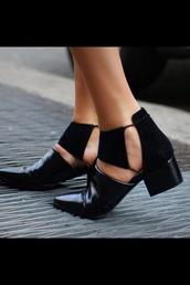 shoes,black,flats,black shoes,unique shoes,black ankle boots,ankle boots,cut-out ankle boots,booties