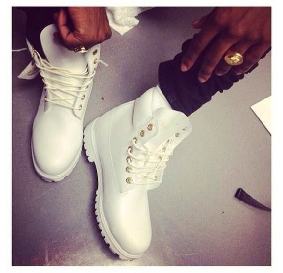 fashion clothes style shoes timberland boots shoes timberlands timberlands and gold chain timberland boots boot white timberland boots white boots white gold mens shoes