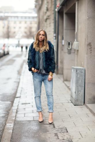 lisa olsson blogger faux fur jacket acid wash jeans