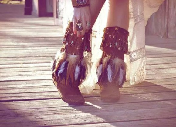 feathers boho indian boots