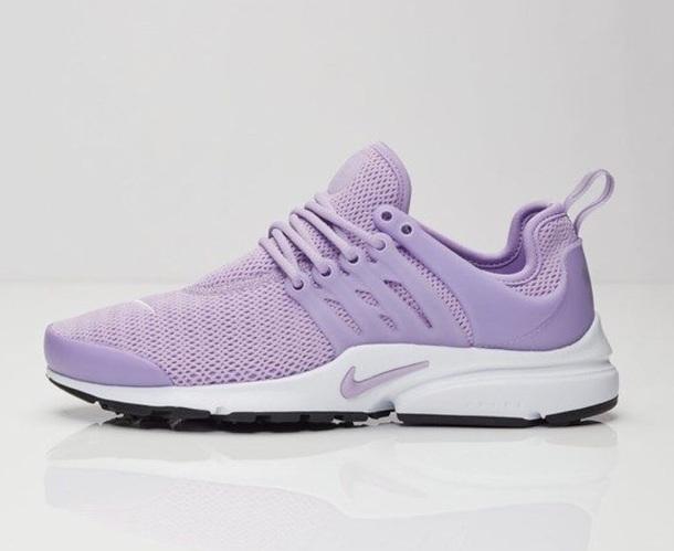 616262d826d3 shoes lilac lavender purple sneakers nike nike shoes nike running shoes nike  air running running shoes
