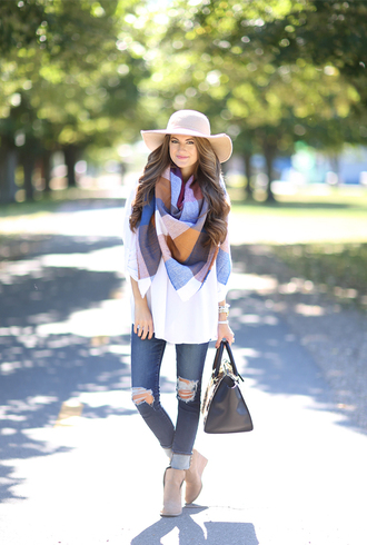 southern curls and pearls blogger scarf hat jeans shoes bag jewels make-up