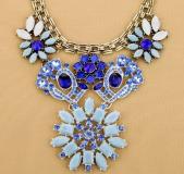 Blue Gems Flower Necklace - Juicy Wardrobe