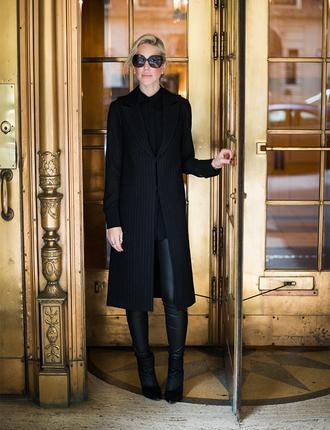 yael steren blogger jacket top leggings shoes sunglasses jewels make-up