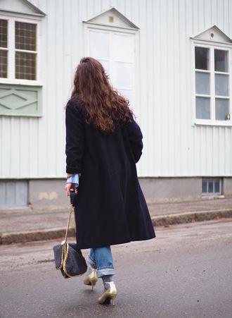 coat tumblr black coat long coat denim jeans blue jeans cuffed jeans bag grey bag shoes gold shoes socks and sandals socks chain bag
