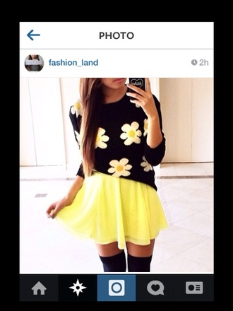 sweater blouse skirt dress shirt flower top yellow skirt sweatshirt black white yellow black sweater black sweatshirt flowers floral floral sweater white flowers print cute cute sweater flowy skirt skater skirt thigh highs knee high socks black thigh highs phone cover black phone case short flowy neon lack yellow