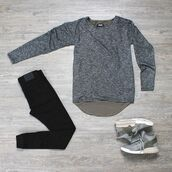 sweater,phoenixclothing,streetstyle,fashion,look of the day,black-mixed,black,jeans,slim jeans,denim,slim denim,slim pant,phoenix,streetwear,menswear,oversized sweater,pants