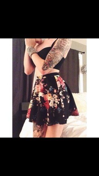 black tank top highwaisted shorts skirt skater skirt floral black skirt floral skirt