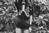 shirt,black,short sleeve,bones,skeleton,mini shorts,t-shirt,ribs,blouse,cute,grunge,goth