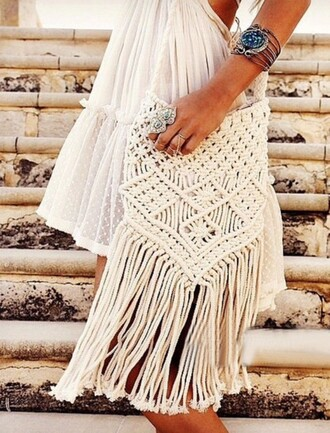 bag girly girl girly wishlist fringes fringed bag crochet white beach fashion summer mns white bag shoulder bag boho bag boho jewelry boho