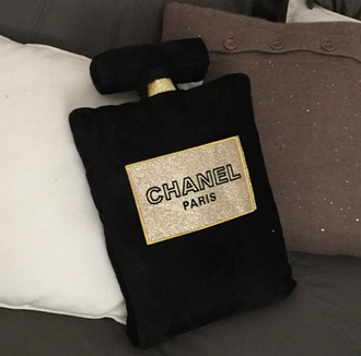 home accessory channel pillow