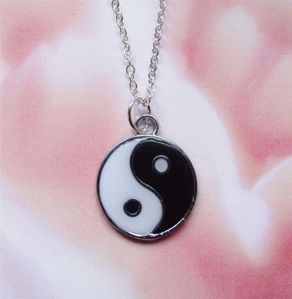 BLACK & WHITE ENAMEL/ SILVER TONE YIN YANG NECKLACE | eBay