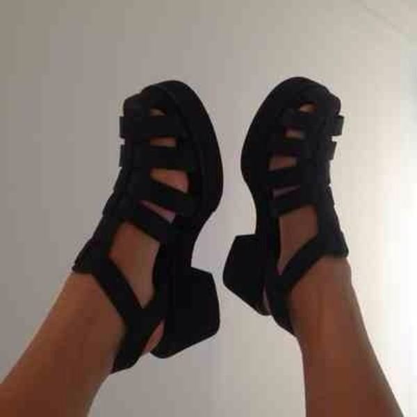 shoes jellies sandals jellies jellies summer black matte cut-out heels chunky