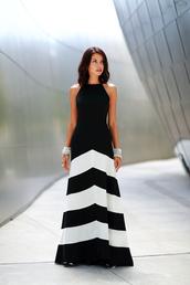 viva luxury,blogger,jewels,dress,striped dress,black and white dress,earphones,maxi dress,evening dress,long dress