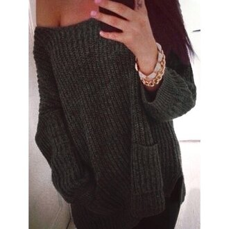 sweater knitwear knitted sweater off the shoulder off the shoulder sweater off the shoulder top sexy cute college winter outfits winter sweater fall outfits fall sweater oversized sweater jewels accessories grey sweater oversized loose casual streetwear style girl