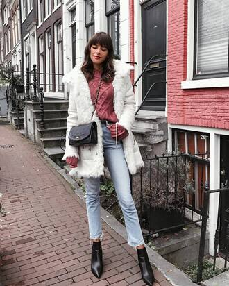 coat tumblr white coat sweater pink sweater knit knitwear knitted sweater denim jeans light blue jeans bag boots black boots