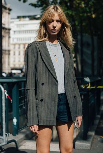jacket fashion week street style fashion week 2016 fashion week paris fashion week 2016 grey blazer blazer top grey top necklace jewels short shorts shorts denim shorts blue shorts streetstyle