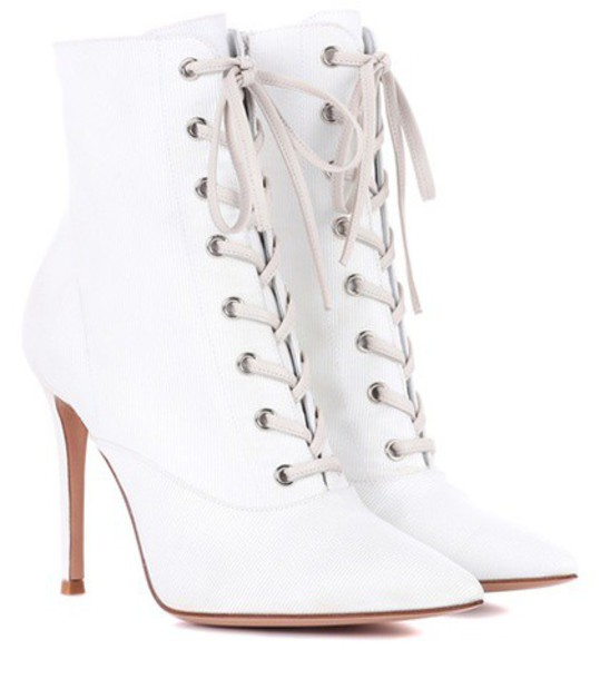 Gianvito Rossi Neville lace-up ankle boots in white
