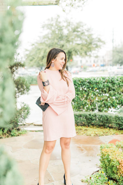 adoredbyalex blogger dress shoes bag jewels