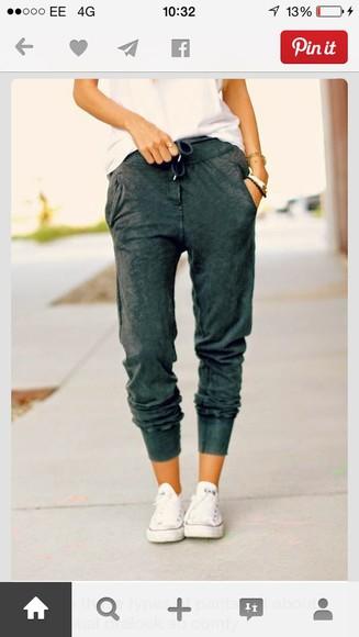 baggy pants converse white vest converse?