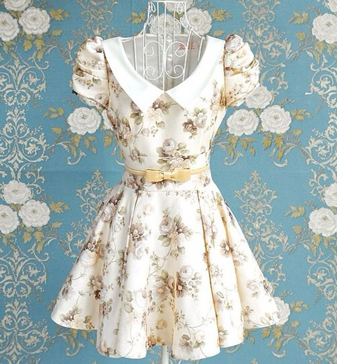 Stunning vintage inspire floral puff sleeve dress from doublelw on storenvy