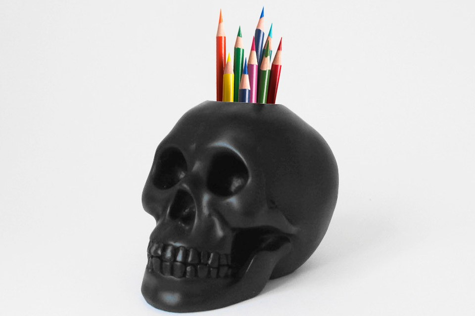 Hodi home decor skull pen brush holder black