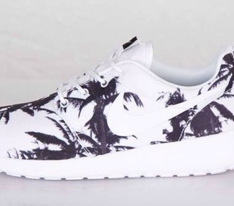 shoes roshe runs nike palm tree black and white nike roshe run low top sneakers nike roshe run palm trees palm tree print nike