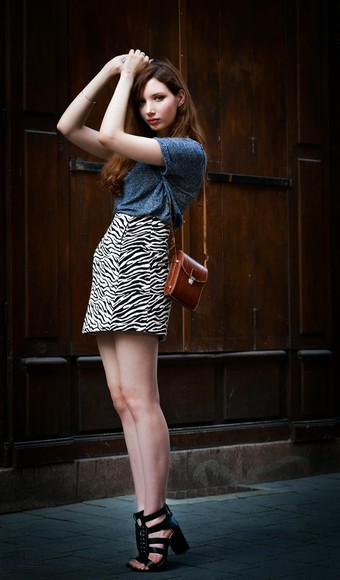 skirt shoes zara summer outfits bag blogger top jewels sandals high heels necklace maxce zebra print animal print clutch naf naf vintage bag stradivarius strappy sandals