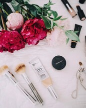home accessory,tumblr,make-up,makeup brushes,concealer