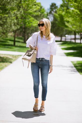 t-shirt eyelet layer sleeves denim skinny jeans sandals shoulder bag blogger blogger style