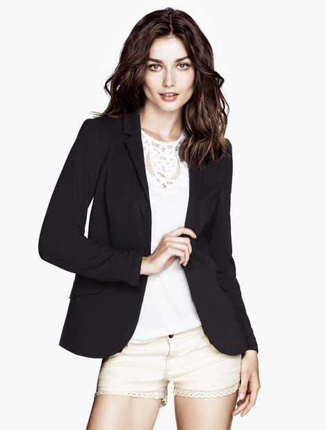 Discover M&Co's range of women's tops, including work blouses, casual t-shirts and jeans and a nice top looks. Shop online with free Click & Collect.