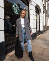 jeans,cropped jeans,boyfriend jeans,black boots,white t-shirt,coat,handbag